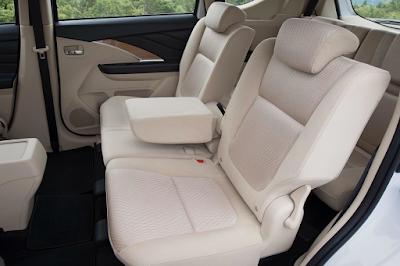 Interior Baris Kedua Mitsubishi Xpander
