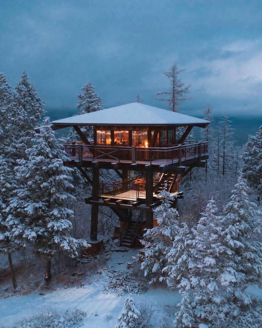 01-In-the-Snow-MT-Creative-Architecture-with-the-Fire-Lookout-Tower-www-designstack-co