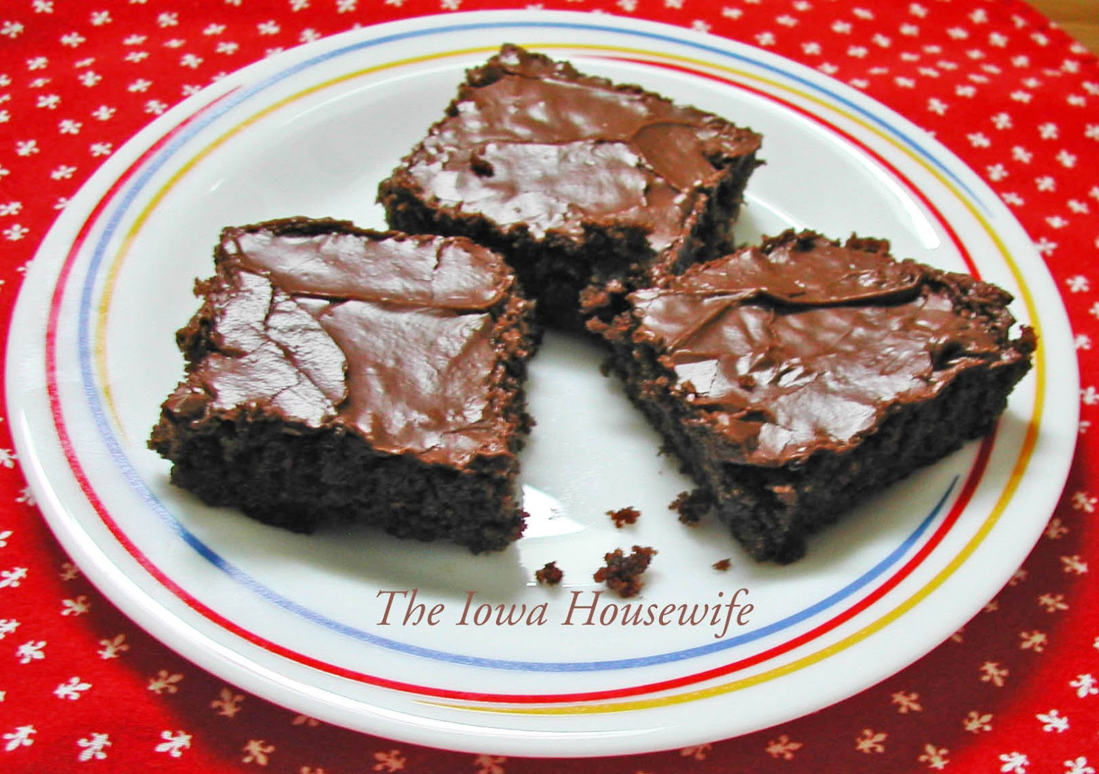The Iowa Housewife: Hershey Syrup Brownies