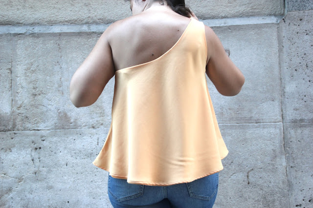 DIY Tutorial y patrones gratis blusa mujer capa circular asimétrica