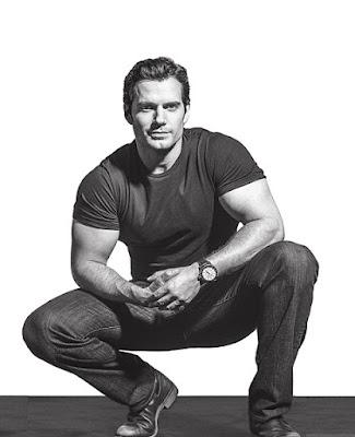 الممثل-هنري-كفيل-بطل-فيلم-سوبرمان-الساحر-شارلوك-هولمز-الخالدون-باتمان-فرقة-العدل-مهمة-مستحيلة-مونتي-كريستو-كلارك-كينت-كال-ال-إينولا-هولمز-الصياد-الوحوش-نيتفليكس
