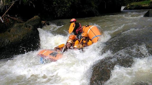 Paket Rafting ( Arung Jeram ) Bogor