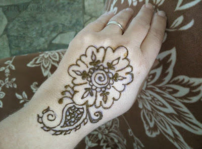 Henna Tattoo Tutorial : Henna