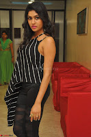 Akshida in Black Tank Top at Kalamandir Foundation 7th anniversary Celebrations ~  Actress Galleries 040.JPG