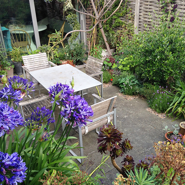garden table, flowers, plants