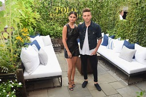 Selena Gomez and Brooklyn Beckham pose together and fans want romance