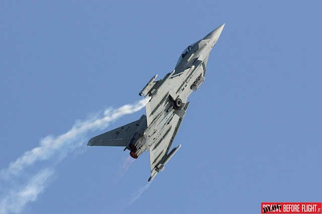 Precipita caccia Eurofighter Terracina Air Show