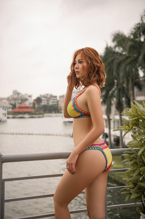 Vẻ bốc lửa Thanh Hương 'Người phán xử' khi mặc bikini khoe ngực đầy - Ảnh 4