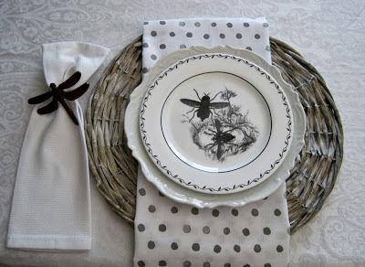 Bee Tablescape