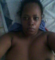 Yaani this is someone's WIFE sending N@D£S and offering her body freely to a MAN? Women are SH!T (PHOTOs)