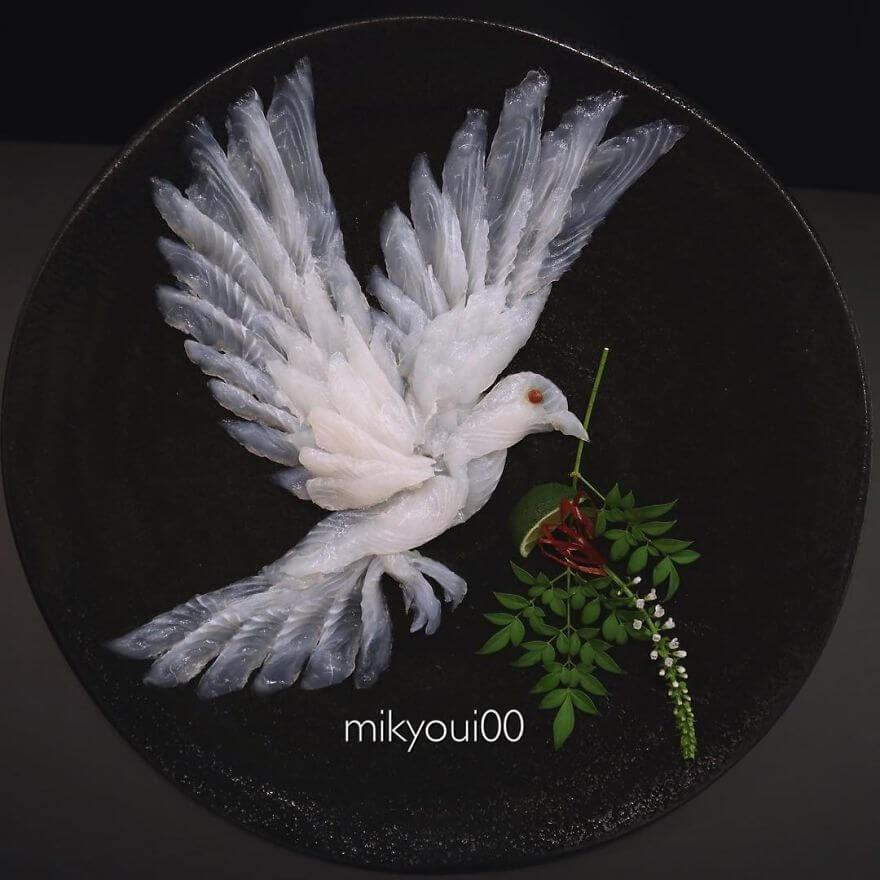 07-Dove-with-Leaf-Mikyou-Sashimi-Art-in-Fish-Food-Art-www-designstack-co
