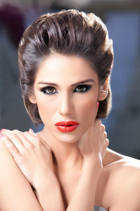 Super model beauty Fayezah Ansari