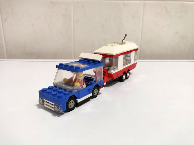 LEGO set 6590 automobile e roulotte - vacation camper
