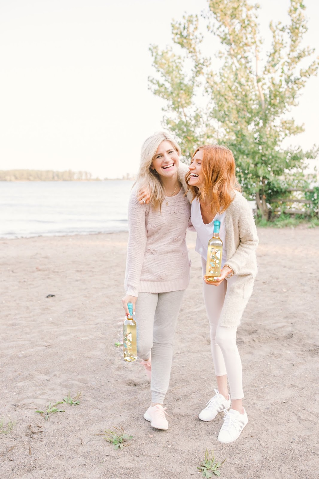 How to Have the Perfect Self-Care Day with XOXO Wines - Colourful, pink beach picnic with bestie.