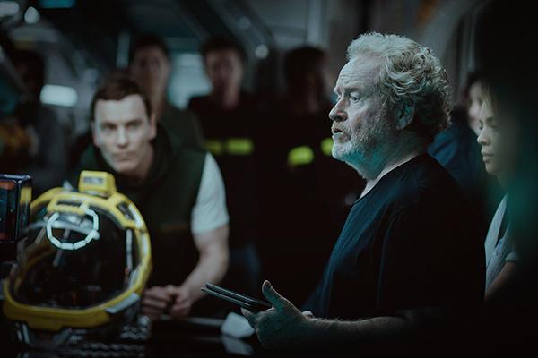 Backstage - Ridley Scott conversando com a equipe que interpreta os tripulantes | Blog #tas
