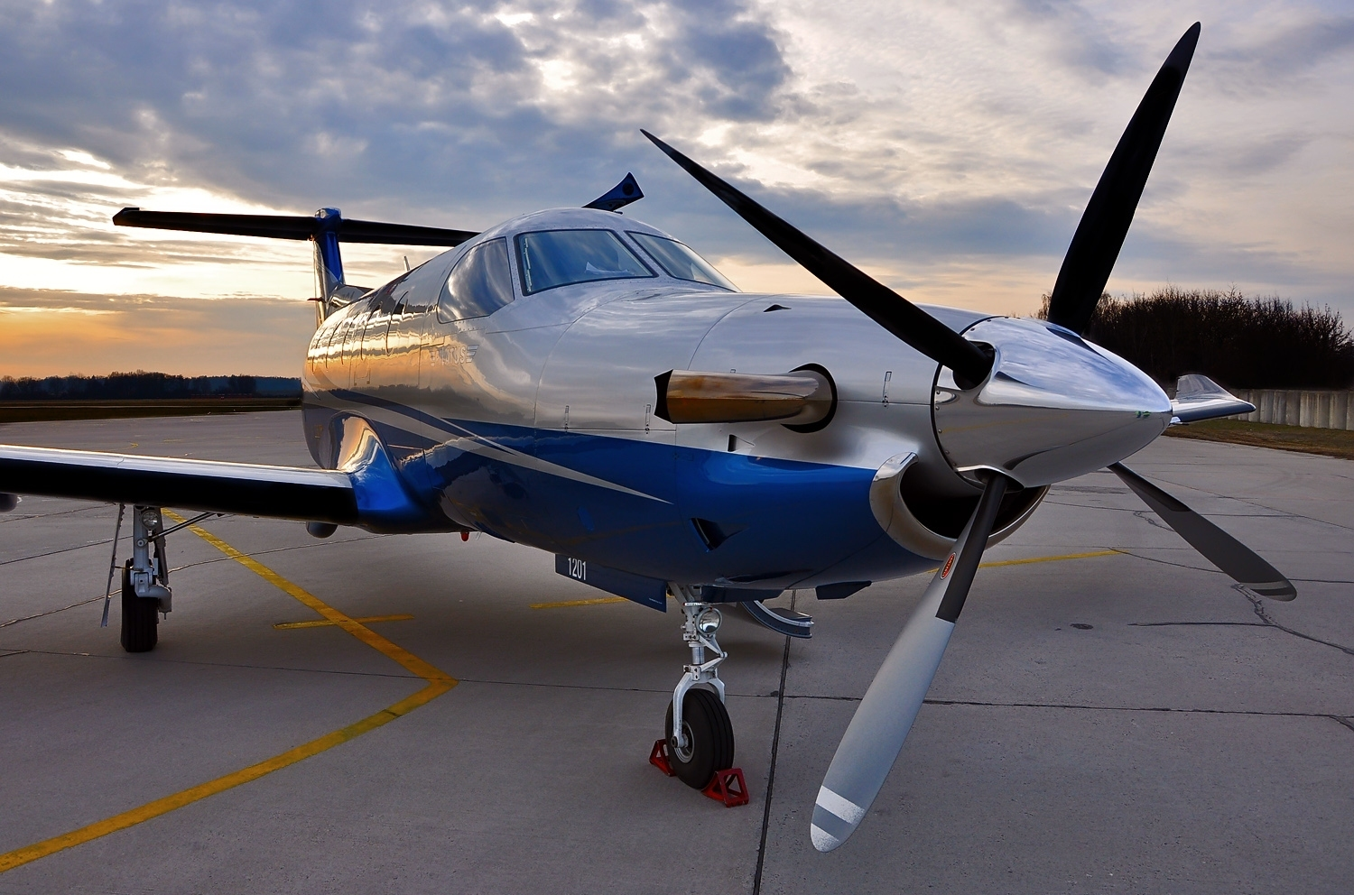 Pilatus PC-12 Single-propeller Aircraft Wallpaper 2275