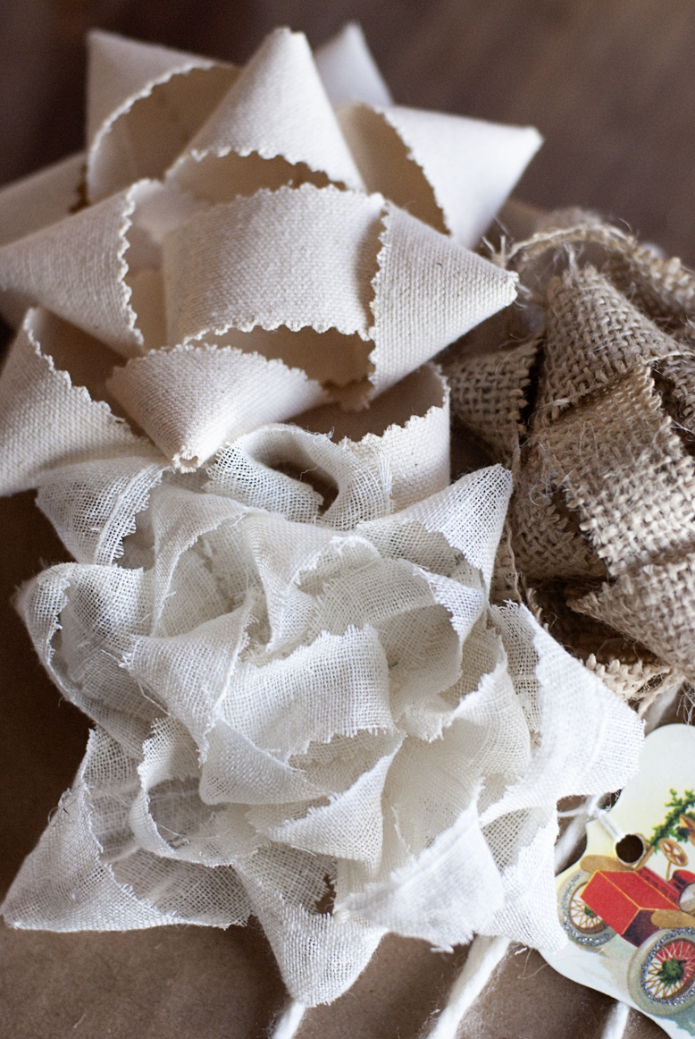 The Rowdy Stroudy's: The Original DIY Burlap Gift Bow Post