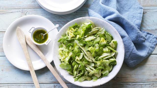 Foolproof green salad