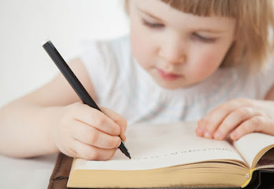 Aku Belajar Nulis Dari Grup Facebook, Blog dan Buku 101 Dosa Penulis Pemula
