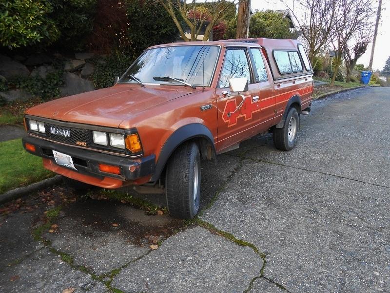 seattle 39 s parked cars 1984 nissan datsun 4x4 pickup. Black Bedroom Furniture Sets. Home Design Ideas