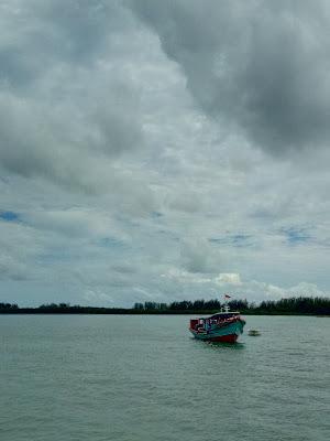 Salah satu jenis boat penyeberangan