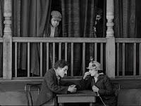 """Кадр из фильма Чарли Чаплина """"Собачья жизнь"""" / A Dog's Life (1918) - 20"""