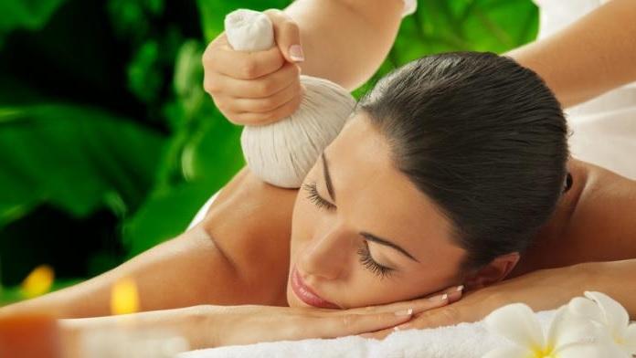 Massaggio con tamponi al grano saraceno