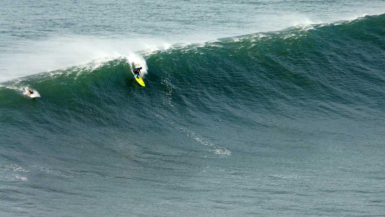 surf menakoz diciembre 2015 olas grandes 02