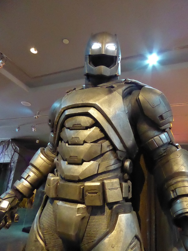 Batman v Superman Armoured Mech Batsuit