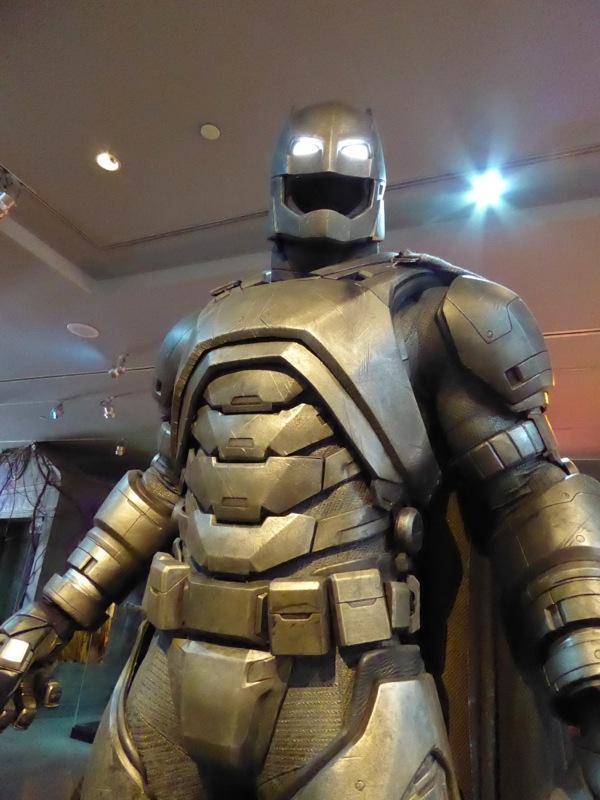 Batman v Superman Armoured Mech Batsuit