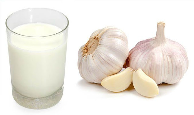 Garlic Mixed with Milk-Can Possibly Cures Asthma, Pneumonia, Tuberculosis, Cardiac Problems, Insomnia, Arthritis, Cough And Many Other Diseases!