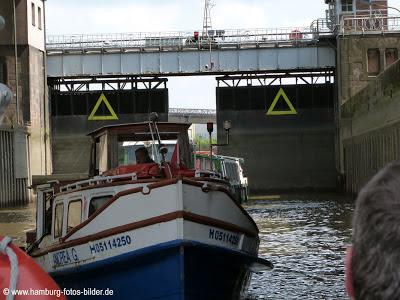 Hafenrundfahrt Hamburg Schleuse