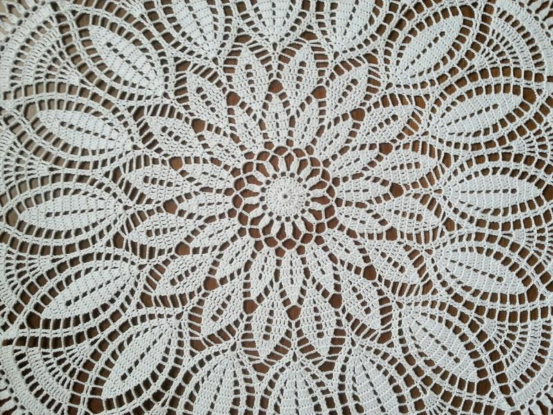crochet doily pattern - lace doily - center