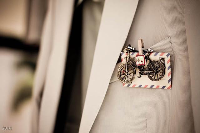 Un complemento muy original de estilo retro vintage para colocar en el bolsillo del novio