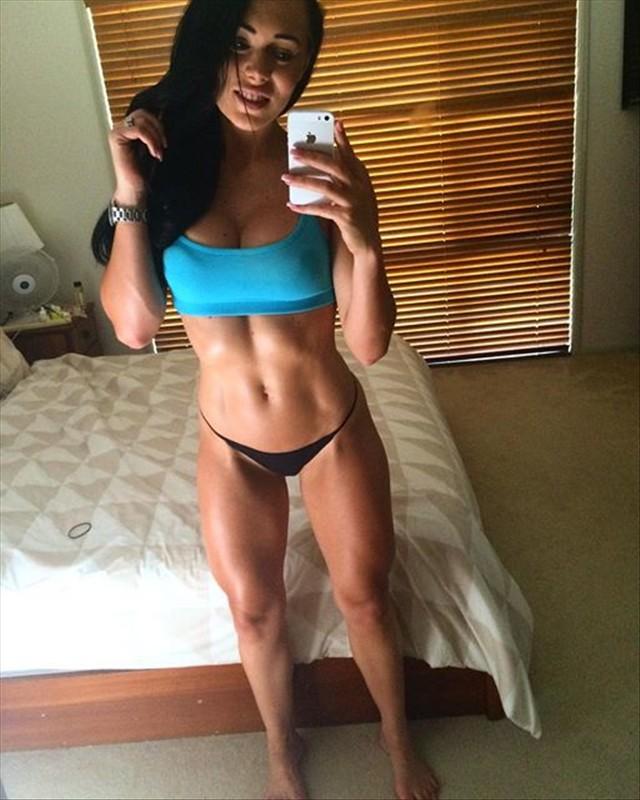Australian Bikini Fitness Model Shannah Baker Instagram photos