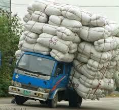 để xe chở hàng quá tải chủ xe chịu mức phạt tăng 4 lần
