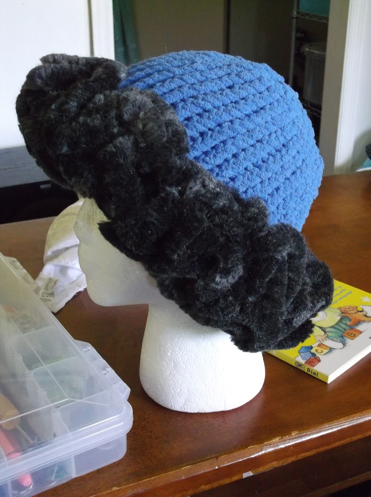 The Loom Muse How To Loom Knit A Fur Brimmed Hat