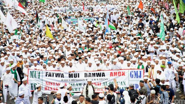 Muslim Jakarta tuntut Ahok