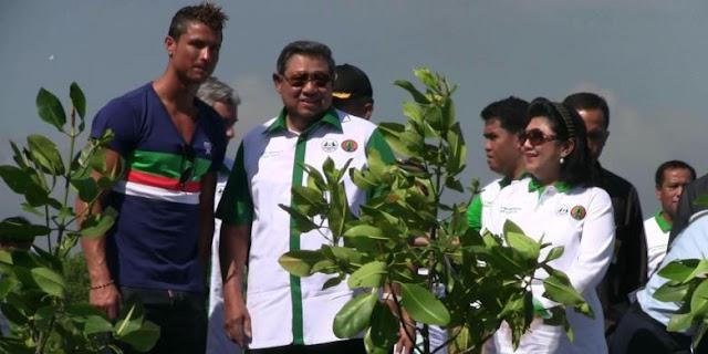 Andai Ronaldo Mau Main di Liga 1, Apa Daya Tarik Indonesia buat Dia?