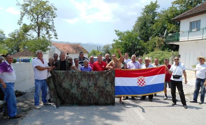 FOTO: Branitelji blokirali granične prijelaze