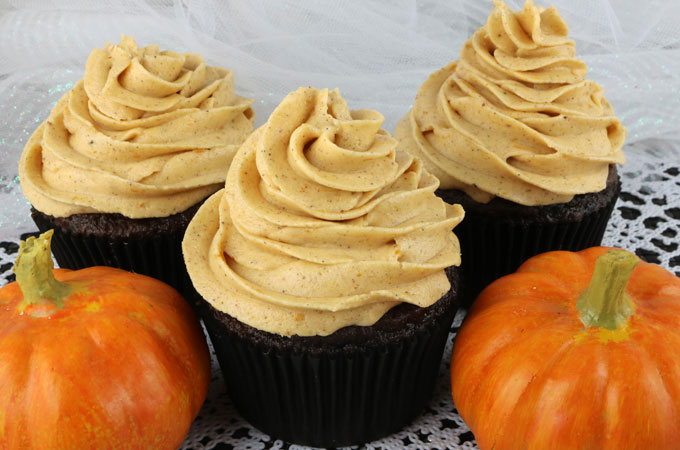 PUMPKIN SPICE BUTTERCREAM FROSTING RECIPE