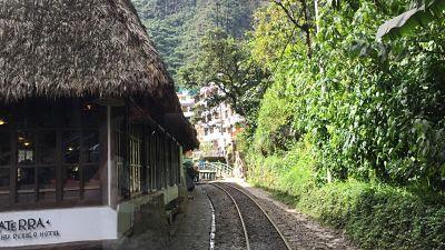 Llegada en tren a Aguas Calientes. Machupicchu. Peru