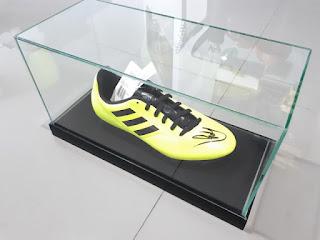 Sepatu Bola Tanda Tangan Kevin De Bruyne KDB001 New Dengan Kotak Kaca Mewah