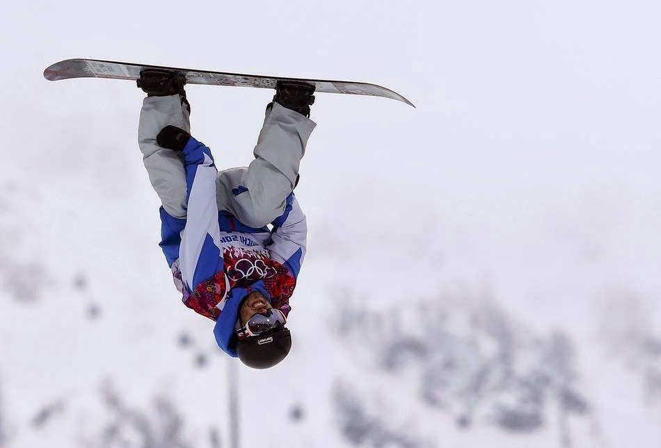 7. Hi. - 22 Olympics Photos That Will Destroy Your Faith In Gravity