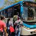 Passageiros reclamam dos frequentes atrasos dos ônibus em Samambaia.