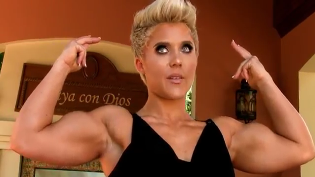 Video female bodybuilder is totally beautiful and looks natural