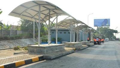 Kantong Parkir Disediakan Atasi Macet Tol Jakarta-Cikampek