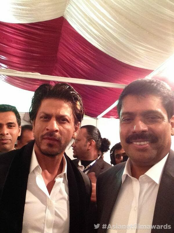 Shah Rukh Khan at Asianet Film Awards