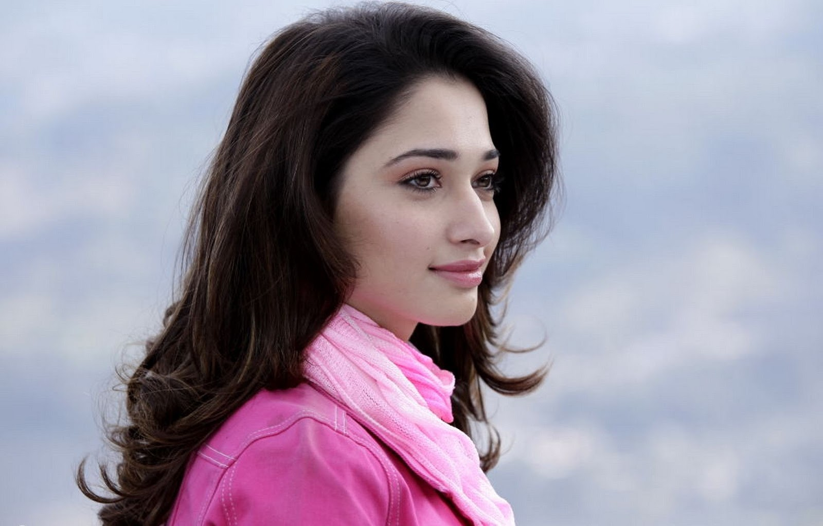 Tamanna Hd Saree Wallpaper: Beautiful Wallpapers: Tamanna Wallpapers HD