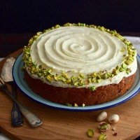 Receta para preparar torta de zanahoria y pistachos garam masala